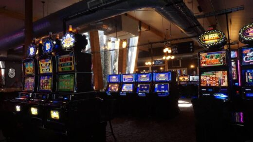 How to teach Online Casino Better than Anybody Else